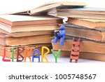to the library for knowledge   Shutterstock . vector #1005748567