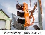 temporary traffic lights... | Shutterstock . vector #1007003173