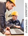 field service crew engineers... | Shutterstock . vector #1009872997