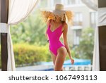 summer lifestyle fashion... | Shutterstock . vector #1067493113