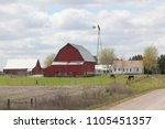 Small photo of Amish barns and silos