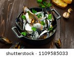 portuguese style mussels in... | Shutterstock . vector #1109585033