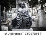 Scary Cemetery Statue Horror...