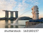 Singapore Center With Merlion...