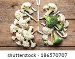 imitation of a smoker's lungs... | Shutterstock . vector #186570707