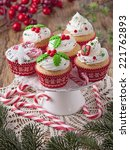 Christmas Cup Cakes And Candy...