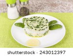 Boiled Rice With Spinach Molde...