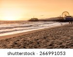 Santa Monica Beach  Los Angele...