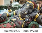 Ganesh Statue In India Temple ...