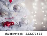 White Christmas Decoration Wit...