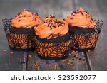 Festive Halloween Cupcakes Wit...