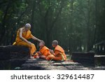 Old Monk Teaches Little Monks...