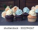 Chocolate And Vanilla Cupcakes...