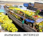 Floating Boats With Flowers Fo...