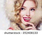 Beautiful Smiling Fashion Mode...