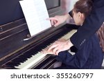 Musician Teacher Trains To Pla...