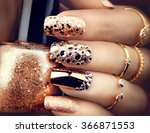Golden Nail Art Manicure....