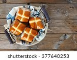 Easter Hot Cross Buns In A...