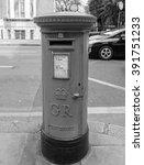 London  Uk   September 27  201...