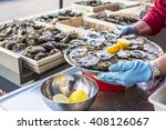 Tray Of Opened Fresh Oysters O...