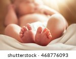 feet of newborn baby with soft... | Shutterstock . vector #468776093
