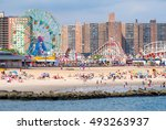 new york usa   august 18 2016   ... | Shutterstock . vector #493263937