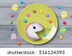 powdered donut with smiley face ... | Shutterstock . vector #516124393