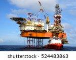 offshore oil rig drilling... | Shutterstock . vector #524483863
