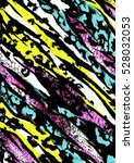 animal print mixed with leopard ...   Shutterstock . vector #528032053