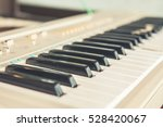 Piano Or Electone Keyboard ...