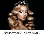 beautyful girl with bright make ... | Shutterstock . vector #542909683