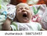 Newborn Baby Crying   Wide Ope...