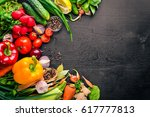 frame of organic food. fresh...   Shutterstock . vector #617777813