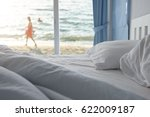 White Pillows And Bedding Shee...