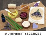 herbal skincare ingredients to... | Shutterstock . vector #652638283