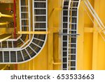 cable tray with electrical... | Shutterstock . vector #653533663