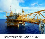 oil gas production platform.... | Shutterstock . vector #655471393