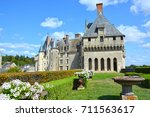 castle of langeais and its park ...
