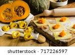pasta ripiena di zucca | Shutterstock . vector #717226597