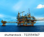 offshore construction platform... | Shutterstock . vector #722554567