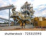 mining infrastructure ...   Shutterstock . vector #725315593