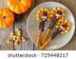 cute thanksgiving turkey...   Shutterstock . vector #725448217