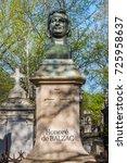 paris  france   april 18  2015  ... | Shutterstock . vector #725958637