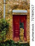 Small photo of English Door