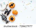 halloween gingerbread cookies... | Shutterstock . vector #728627977