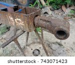 Rusty Trailer Connector.