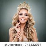 smiling woman fashion model...   Shutterstock . vector #743322097