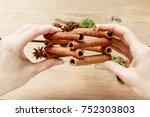 florist at work  how to make...   Shutterstock . vector #752303803