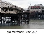 Small photo of Brighton West Pier in winter after partial collapse