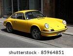 Постер, плакат: Porsche 911 classic parked